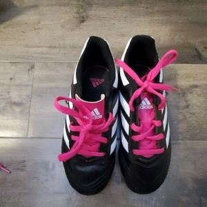 Adidas girls soccer shoes with pink laces